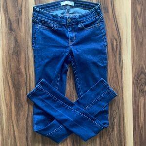 Hollister California 0L 24x33 denim blue jeans